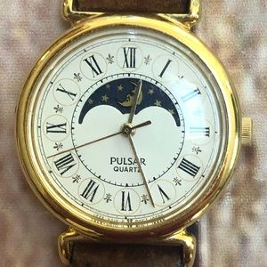 Pulsar quartz phases of the moon vintage watch